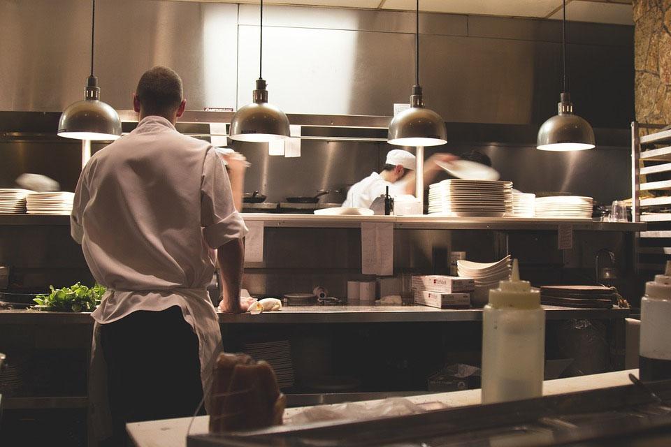 Gastronomie in Deutschland: Der Handel bittet zu Tisch