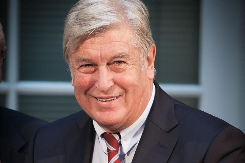 Peter Becker erhält Eberhard-Paech-Preis 2016