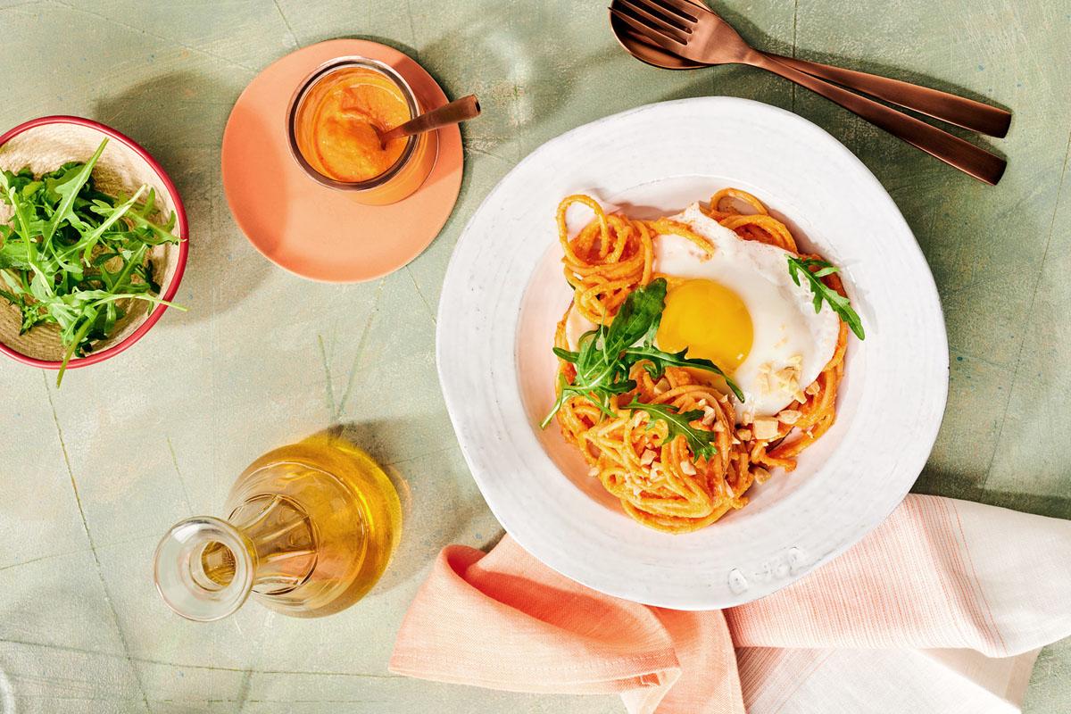 Schnell, schnell: Spaghetti mit Paprika-Pesto