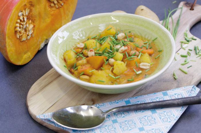 Kartoffel-Kürbis-Eintopf: Heiße Suppe für kalte Herbsttage