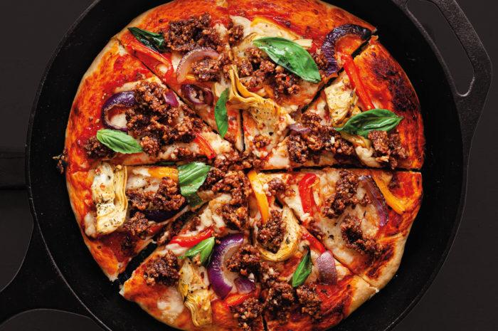 Herbstlich bunt: Pizza mit BBQ-Walnuss-Topping